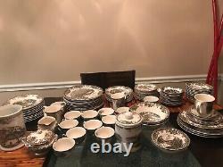 99 Pc Vintage Johnson Bros The Friendly Village China Set Dinner Plates Tea