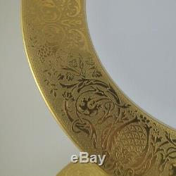 BLACK KNIGHT / HUTSCHENREUTHER Set of 7 Gold Encrusted Thick Band Dinner Plates