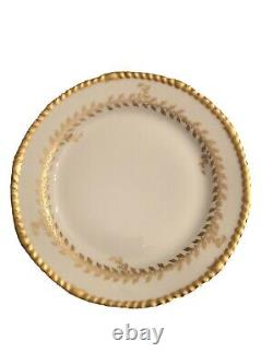Beautiful Limoges Set Of 12 9 1/2 Inch Plates. Gold Borders
