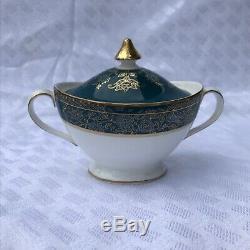 Fine Bone China Vintage Royal Doulton Carlyle 7 Pc Dinner Service (12 Settings)