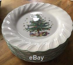 Nikko Set Of 9 Dinner Plates Happy Holidays Christmas Pattern