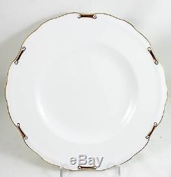 SET of 6 DINNER PLATES VINTAGE ROYAL CROWN DERBY CHINA REGENCY A1075 GOLD WHITE