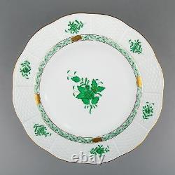 Set of Twelve Herend Chinese Bouquet Green Dinner Plates #524/AV