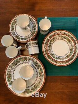 Spode CHRISTMAS ROSE Set. 10 Dinner Plates, 10 Salad Plates And 7 Mugs