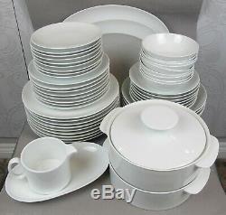 Superb plain white Rosenthal THOMAS Medallion Dinner Service Set for 8. Plates