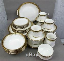 Superb vintage PARAGON Athena bone china Dinner Service Set for 6. Plates cups
