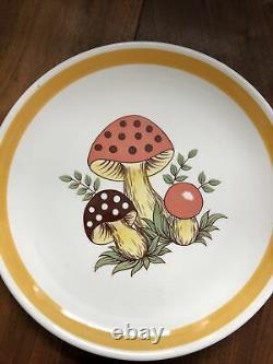 Vintage Sears Merry Mushroom Set of 4 9 Dinner Plates 1977