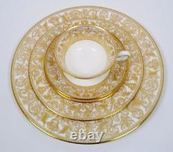 Wedgwood Florentine Gold Fine Bone China 5 Piece Place Setting W4219