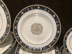 Wedgwood Runnymede W4472 Dark Blue 70 Pc 14 Place Settings Dinner Salad Plate